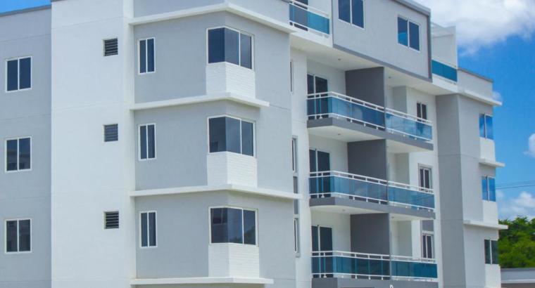 Apartamento de 3 dormitorios, habitaciones en Santo Domingo Oriental