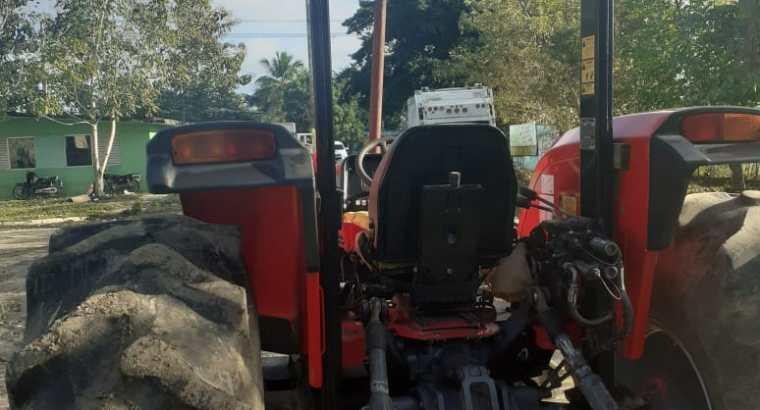 Tractor pergudson