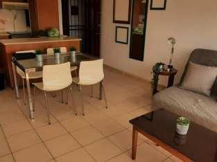 Gascue, Alquiler apto amueblado, 1 dormitorio amplio, aire acondicionado, 1 parqueo cerrado