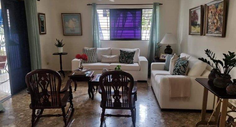 Arroyo Hondo, Venta Casa, 396 mts, 2 niveles, 3 habs, 2.5 baños, 3 parqueos.