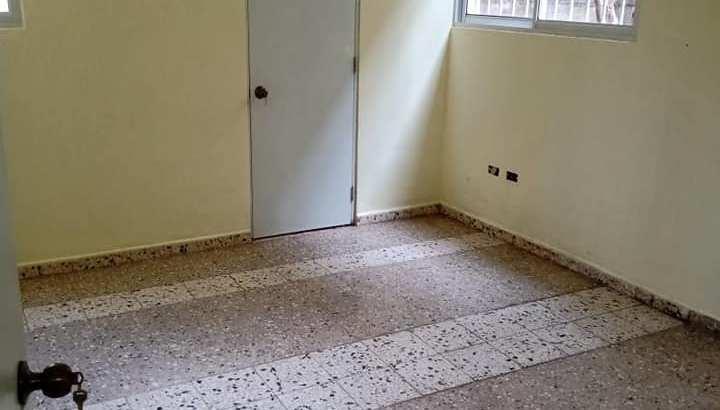 Miraflores, Alquiler Apartamento No Amoblado, 4 Habitaciones, 1 Parqueo