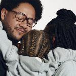 Emicida e Chico Bosco estrelam campanha de Dia dos Pais