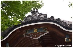 Zenpukuji Temple - roof detail 2