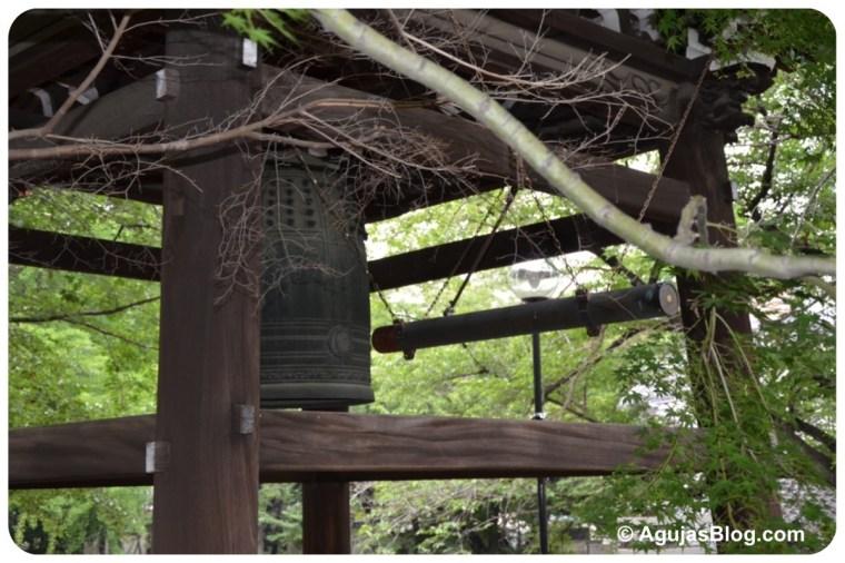 Zenpukuji Temple - bell