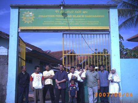 Foto bareng pada kegiatan IGOS Codecamp sebelumnya