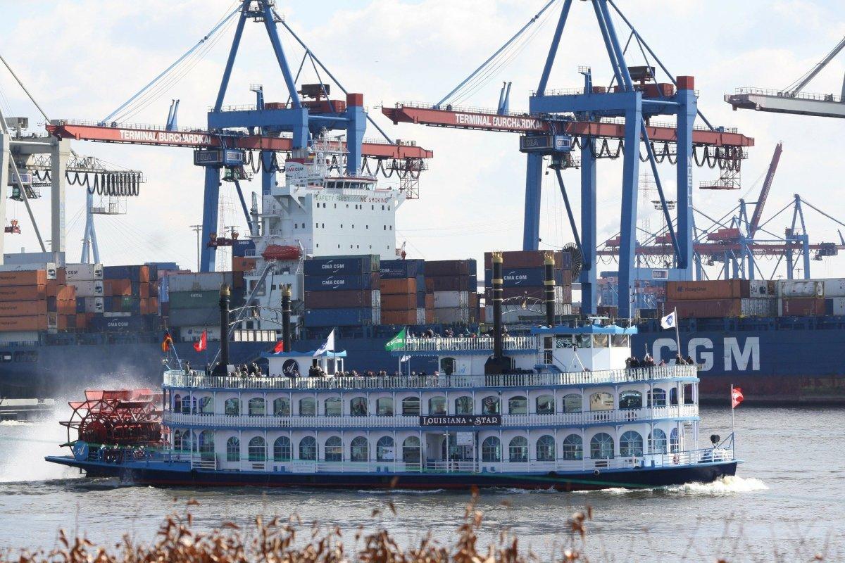 PPN Dibebaskan Atas Jasa Kepelabuhan Tertentu Kepada Perusahaan Angkutan Laut Yang Melakukan Kegiatan Angkutan Laut Luar Negeri