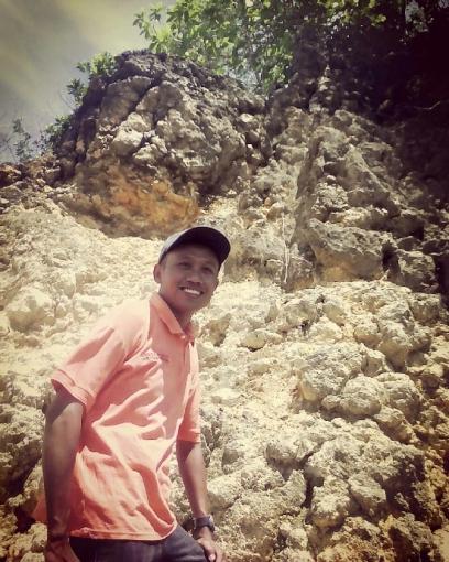 Agus Siswoyo - Aktifitas penjelajahan alam dan berlibur di daerah pantai