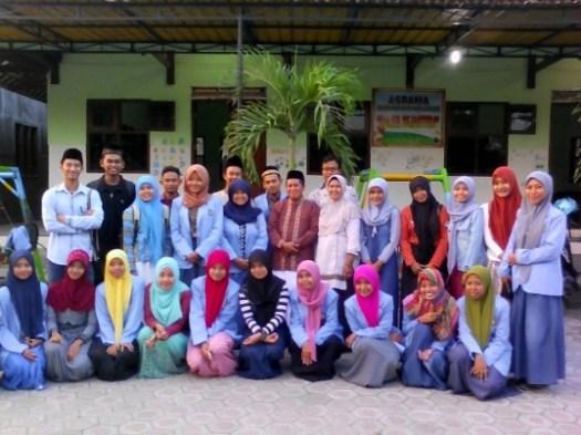 Bakti Sosial Ramadhan Mahasiswa FE UNHASY Tebuireng Jombang