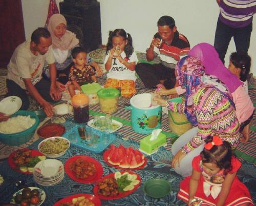 Serunya Halal Bihalal Keluarga Besar Bani Karso 2015 The