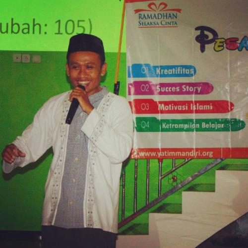 Memotivasi Peserta Pesantren Ramadhan Kreatif Angkatan 1 Yatim Mandiri Jombang Tahun 2016