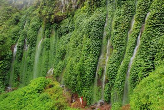 tempat-wisata-alam-air-terjun-cuban-pitu-di-malang