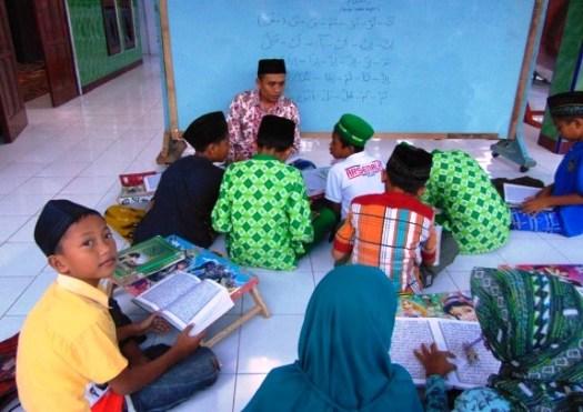Kegiatan Belajar Santri Marhalah TPQ Al-Mujahiddin Guwo Jombang