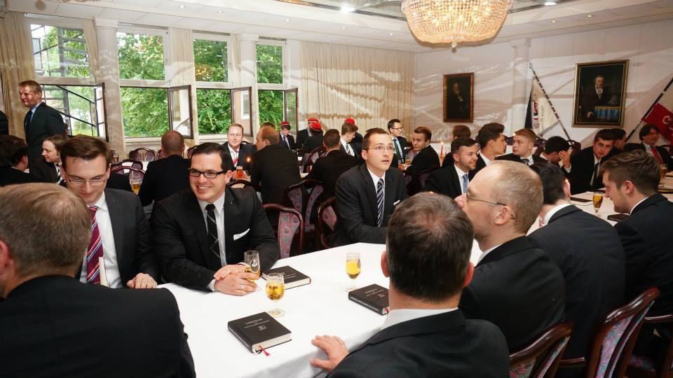 Höhepunkt des 20. Stiftungsfests war der Kommers im Logenhaus mit Chargierenden der norddeutschen VDSt-Bünde und Vertretern aller Bremer Verbindungen