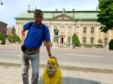 Captain Ahab of Ahab's Adventures making friends as usual in Old Town in Stockholm Sweden 2016