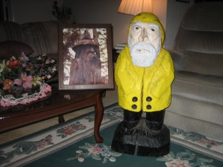 Captain Ahab of Ahab's Adventures visiting relatives on his Cross Country Road Trip of 2006