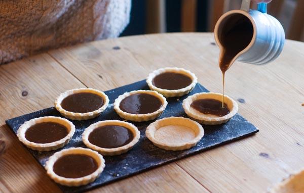 Valentine's caramel chocolate tart