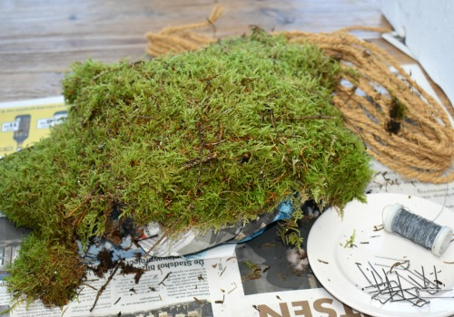 Fall home decor idea - easy diy moss pumpkin tutorial