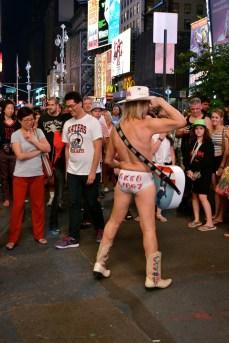23. naked cowboy - ny - abahnao.com - Barbara Poplade Schmalz©
