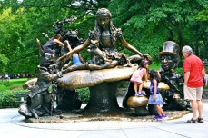 38. alice in wonderland - new york - cental park - abahnao.com - Barbara Poplade Schmalz©