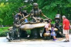 38. alice in wonderland - new york - cental park - abahnao.com - Barbara Poplade Schmalz©
