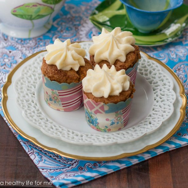 carrot cupcake with cream cheese frosting