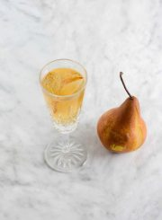 Sparkling Pear Cocktail Recipe | ahealthylifeforme.com