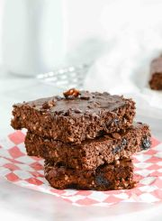 Double Chocolate Cherry Protein Brownies Recipe | ahealthylifeforme.com