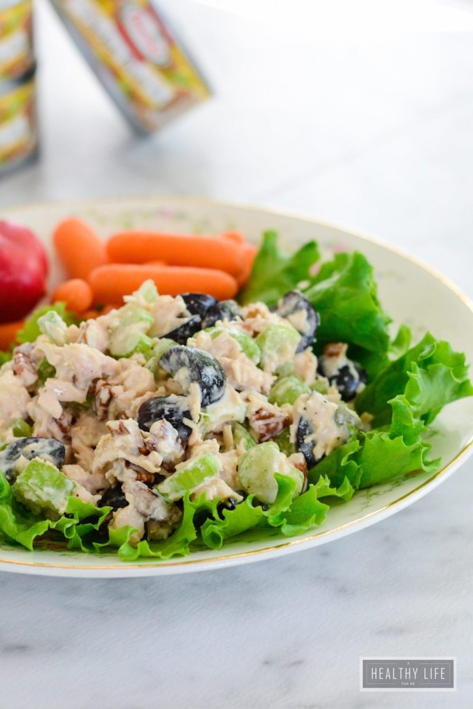 5 Minute Chicken Salad recipe that is ready in 5 minutes, gluten free, delicious and packed with protein | ahealthylifeforme.com