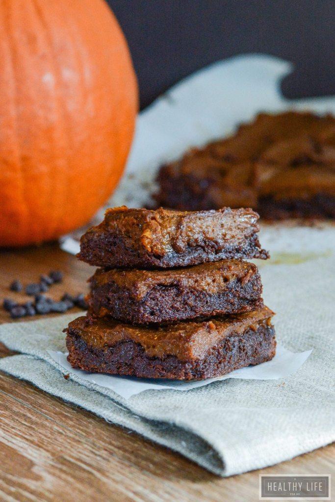 Paleo Chocolate Pumpkin brownies are chewy, dense, moist and delicious chocolate pumpkin brownie recipe | ahealthylifeforme.com