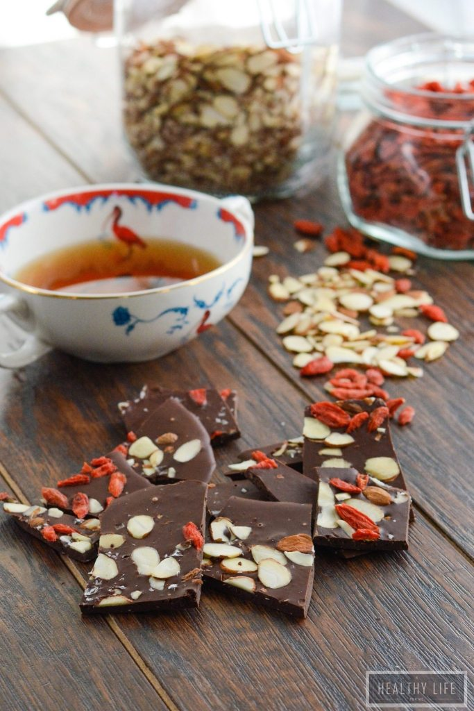 Superfood Chocolate Coffee Bark is gluten free, healthy and decadent recipe | ahealthylifeforme.com