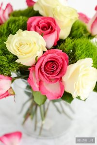 These simple DIY Rose Centerpieces are perfect for your next party celebration and they are made with 100% Rainforest sustainable Roses from Kroger | ahealthylifeforme.com