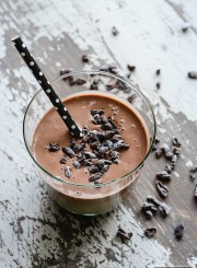 Chocolate Peanut Butter Protein Shake Recipe | ahealthylifeforme.com