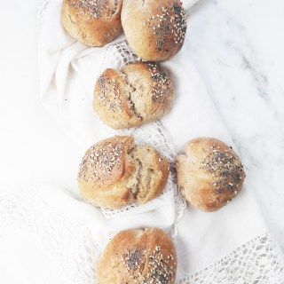 Two seed wholewheat buns