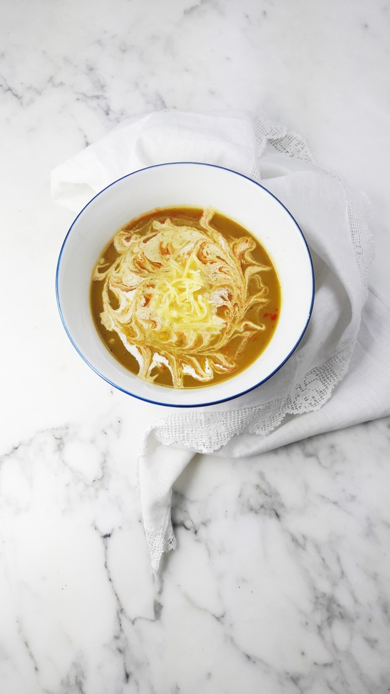 Leek sweet potato soup. This soup is healthy, quick to make and very tasty! | ahedgehoginthekitchen.com