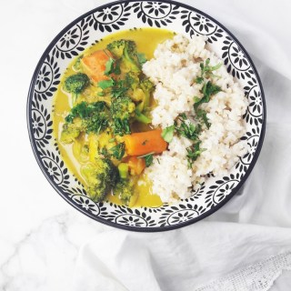Broccoli carrot potato coconut curry