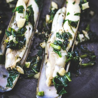 Sauteed razor clams with garlic and parsley
