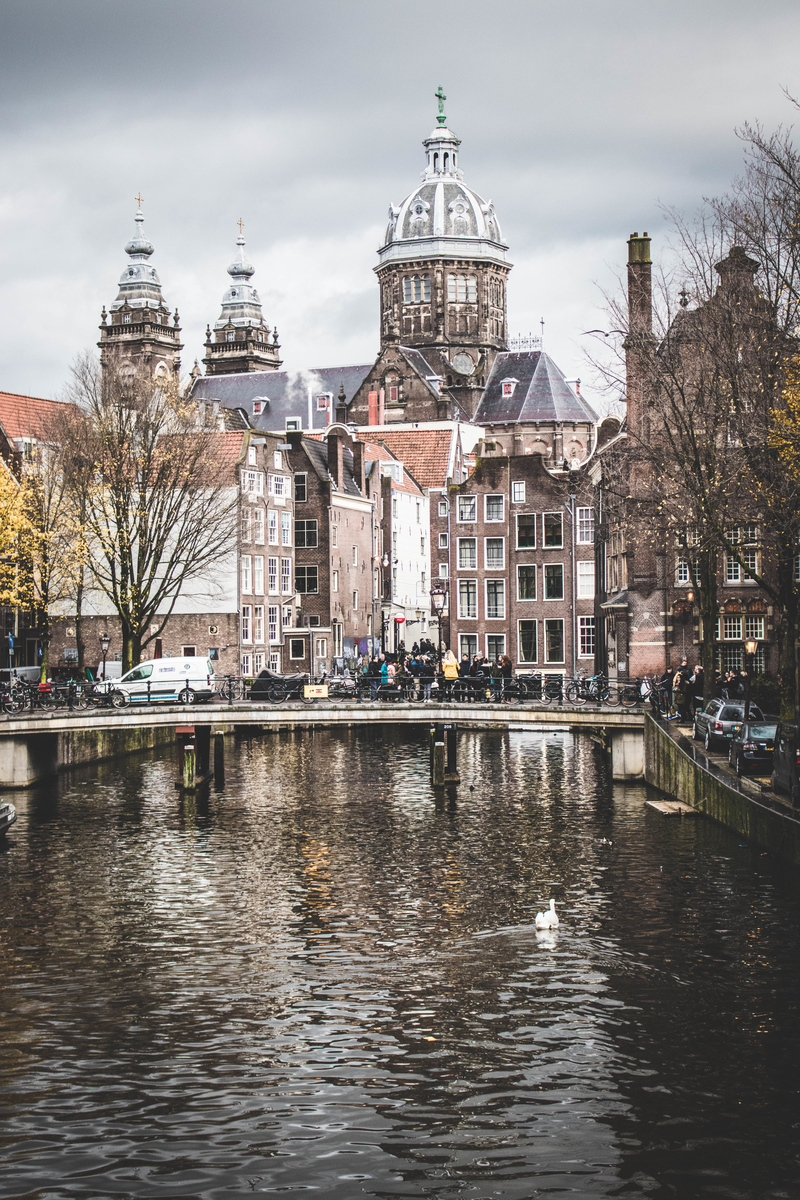 Amsterdam Hotel Review - a Romantic Stay at the Hotel Die Port Van Cleve. ahedgehoginthekitchen.com
