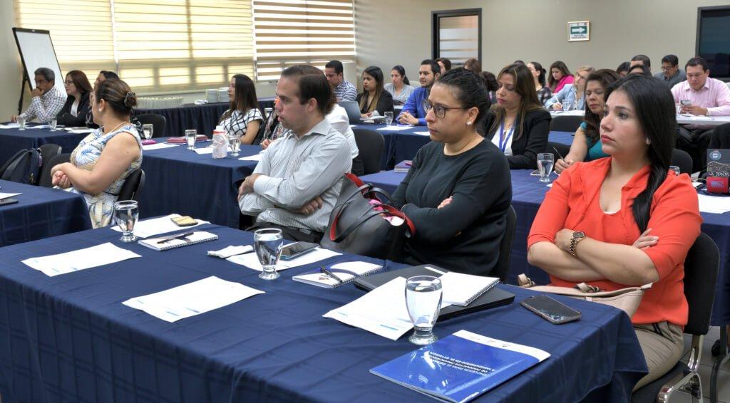 Expertos Internacionales Recomiendan La Creación De Productos Financieros Para Personas Hondureñas En El Exterior