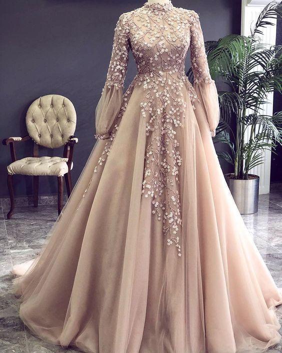 أشيك فستان خطوبة للمحجبات 2021