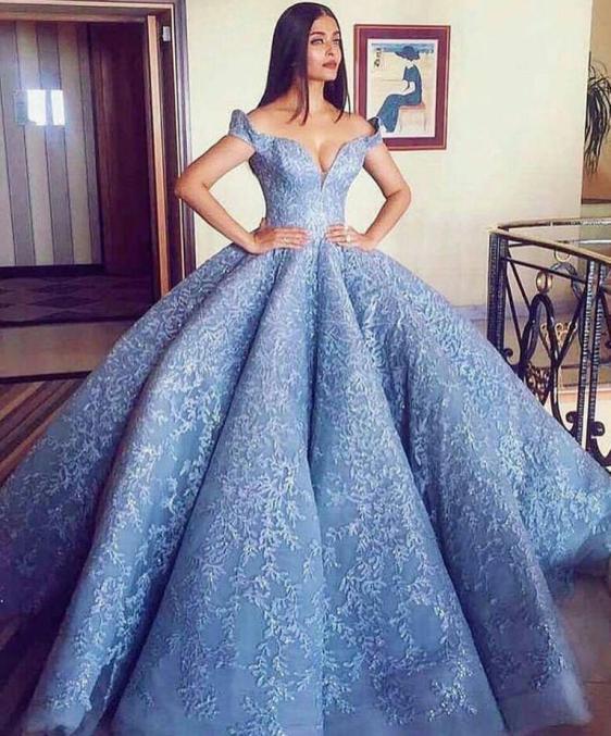 فستان خطوبة شيك باللون الأرزق 2021
