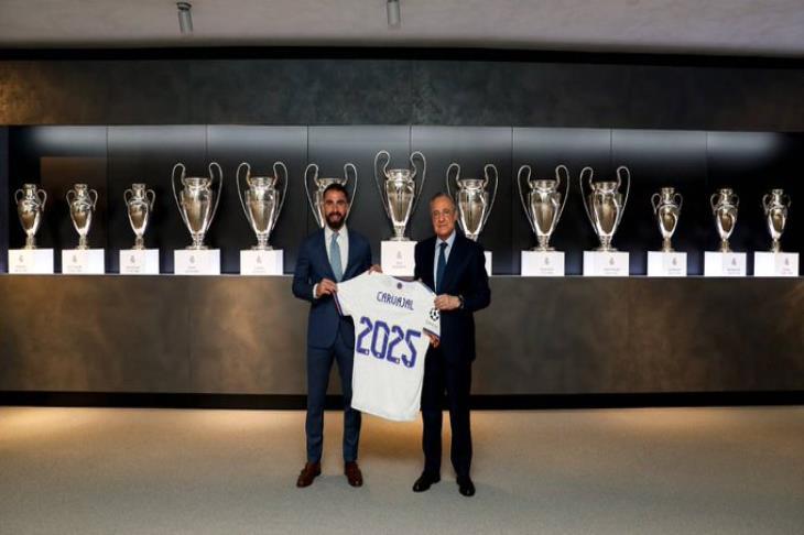 ريال مدريد يعلن تجديد عقد داني كارفخال حتي عام 2025