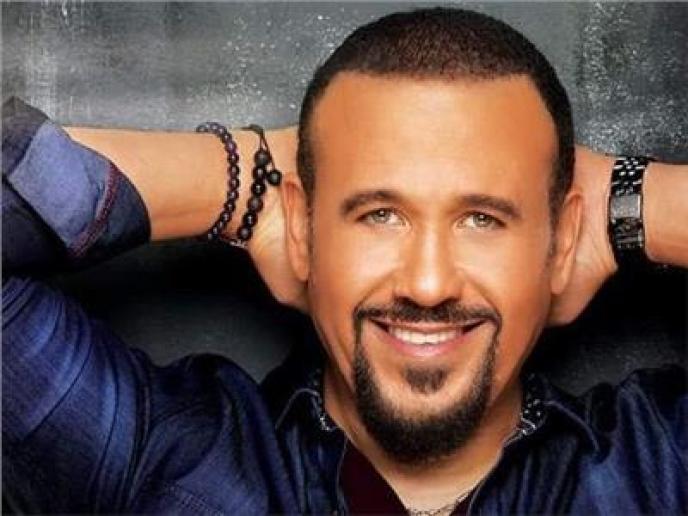 هشام عباس يحيي حفل غنائي علي مسرح محكى القلعة مع نوران أبو طالب