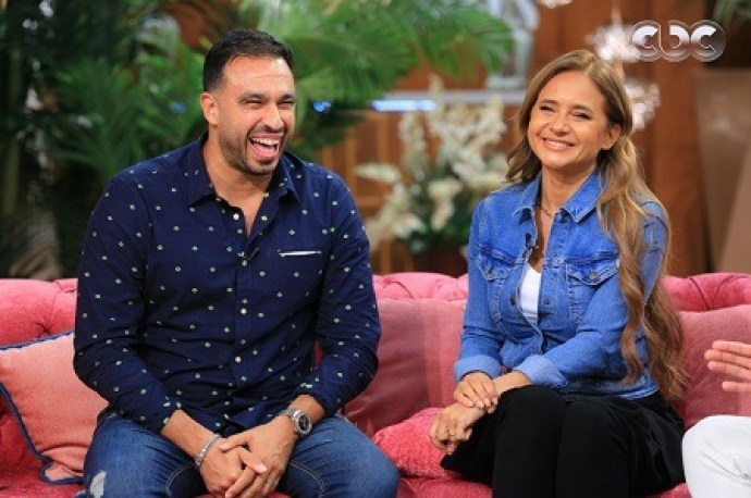 مني الشاذلي تستضيف نيللي كريم وزوجها هشام عاشور في برنامج معكم