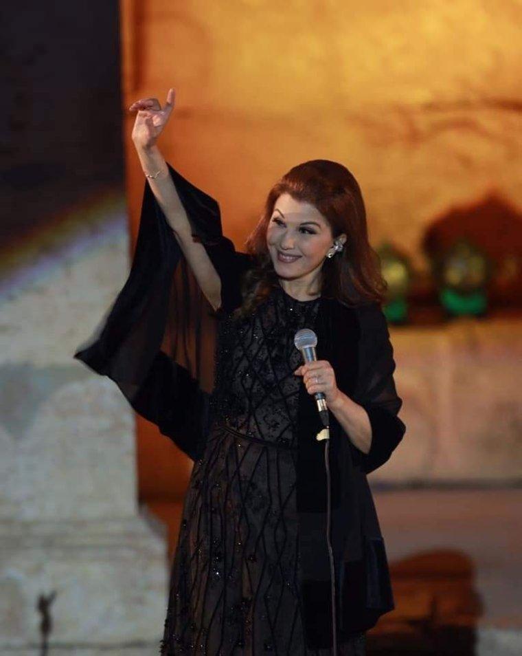 ماجدة الرومي تتعرض للإغماء خلال حفلها في مهرجان جرش بالأردن وتعود لاستكمال الافتتاح
