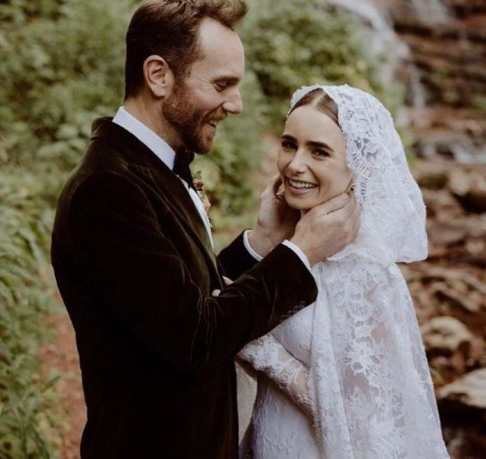 ليلي كولينز تتزوج من تشارلي ماكدويل في كولورادو وتفاجيء الجميع بصور زواجها