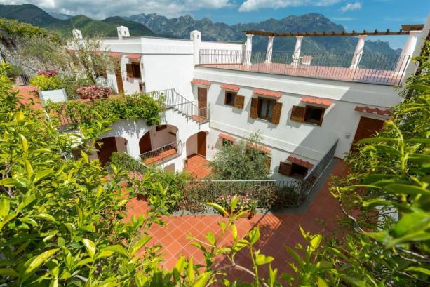 فندق فيلا بيديمونتي من فنادق رافيلو الايطالية