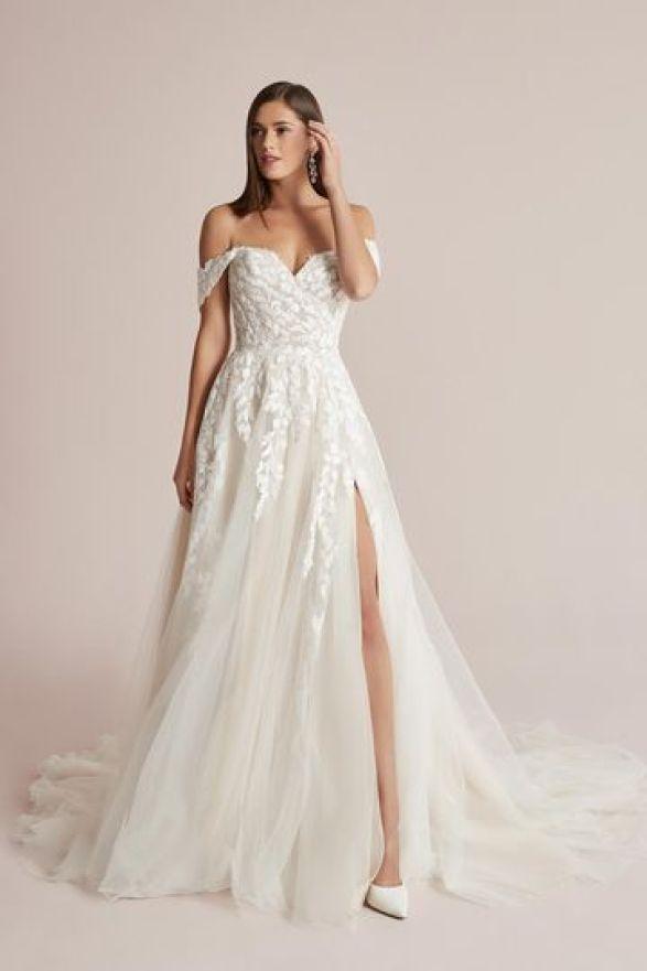 موديلات راقية لفساتين زفاف 2021