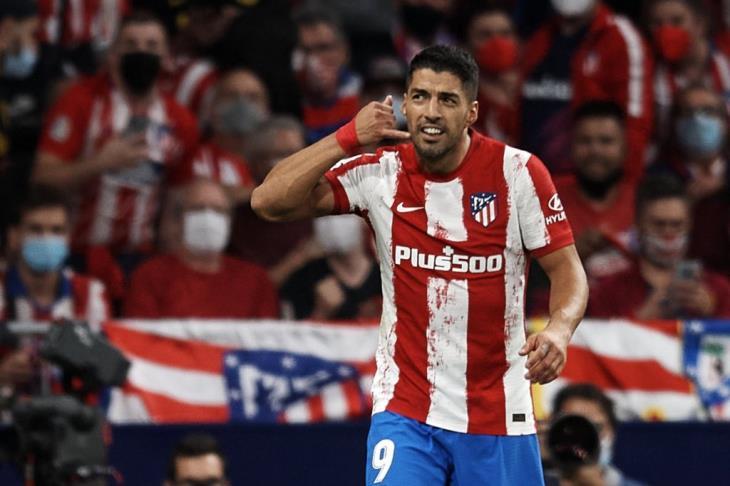 لويس سواريز يفسر احتفال الهاتف بعد هدفه في برشلونة خلال مباراة أتلتيكو مدريد