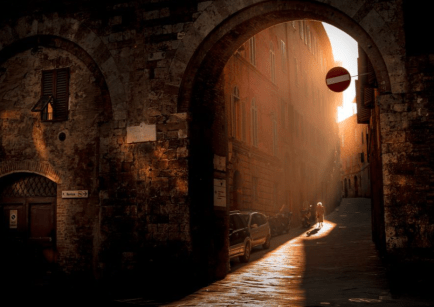 Siena in Tuscany provides this filmic, sepia-toned shot that captures the morning sunlight. (Pic: Takeshi Ishizaki)