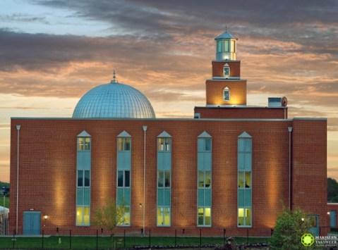 masjid dan muslim sejati menyebarkan cinta dan perdamaian